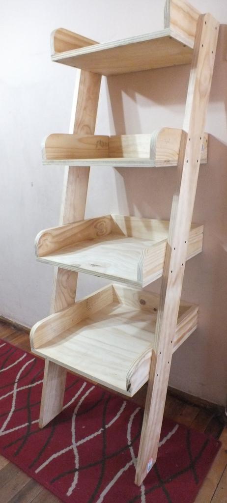 Exhibidor tipo escalera muebles y artes - Tipos de escaleras ...